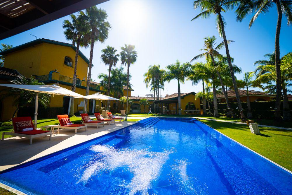 Aluguel casa de luxoGuarujá Villa 08